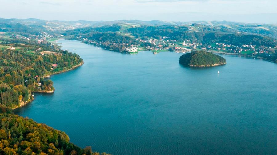Gródek nad Dunajcem z widokiem na małpią wyspę
